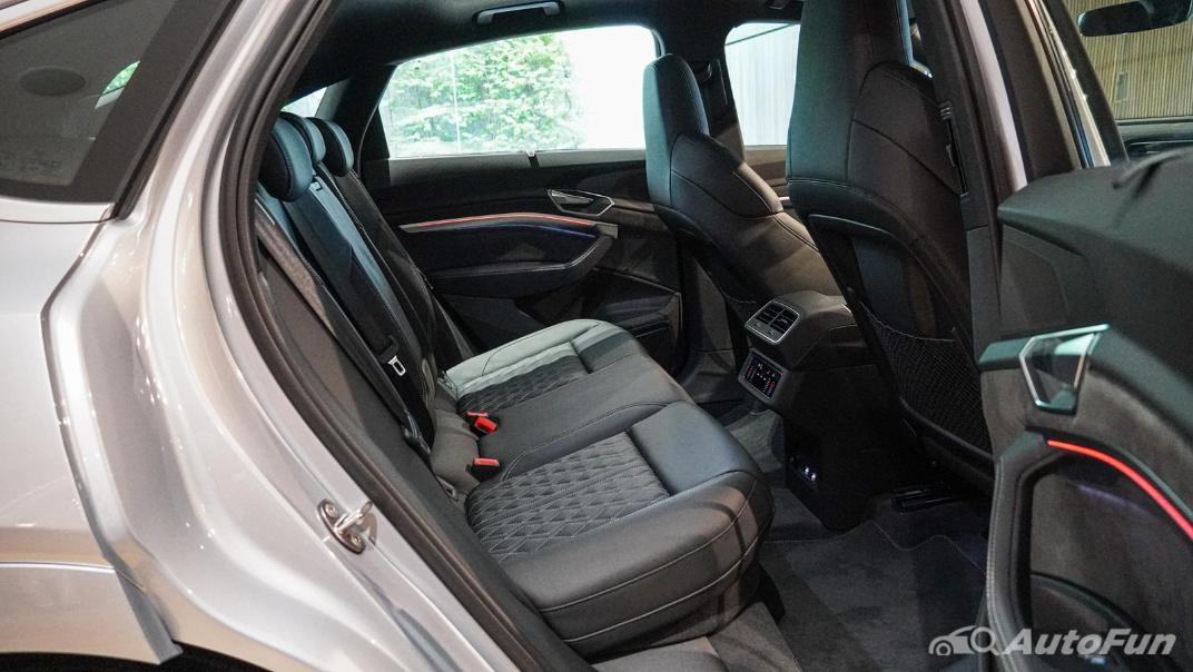 2020 Audi E Tron Sportback 55 quattro S line Interior 035