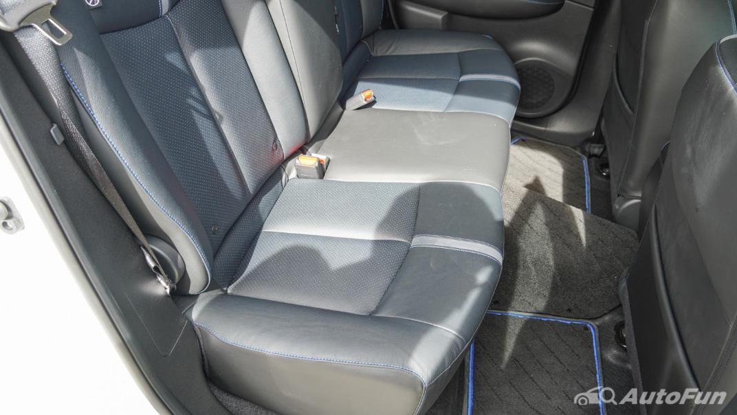 2020 Nissan Leaf Electric Interior 054