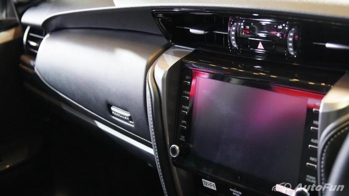 2021 Toyota Fortuner Interior 003