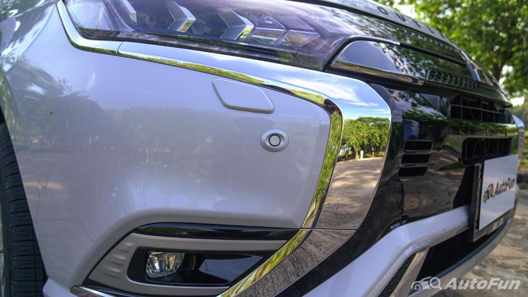 2021 Mitsubishi Outlander PHEV GT-Premium Exterior 010