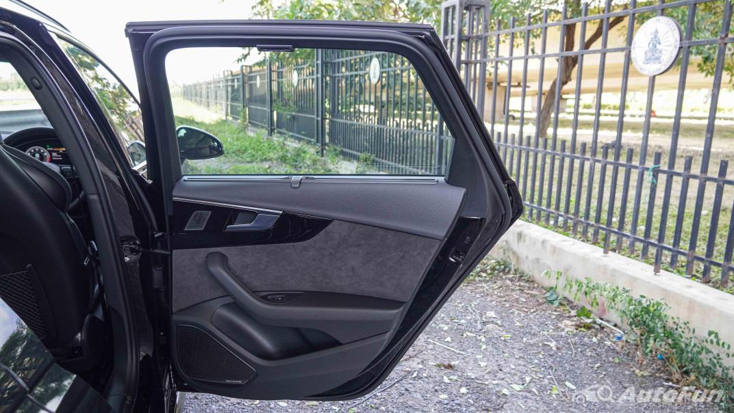 2020 Audi A4 Avant 2.0 45 TFSI Quattro S Line Black Edition Interior 057