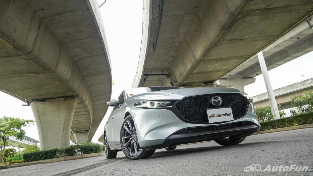2020 Mazda 3 Fastback 2.0 SP Sports Exterior 040