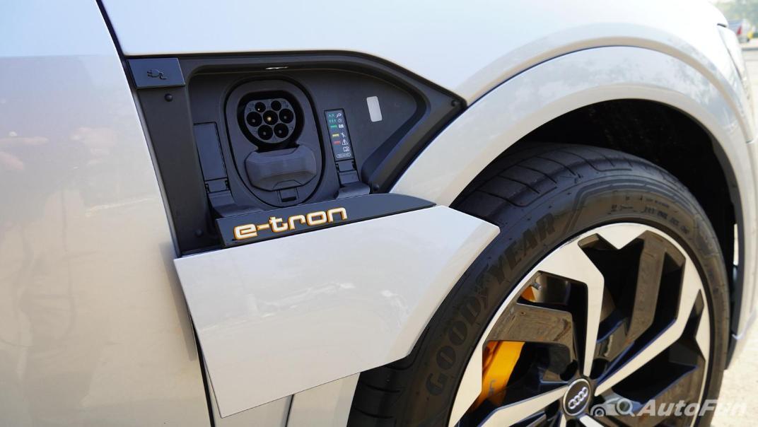 2020 Audi E Tron Sportback 55 quattro S line Exterior 049