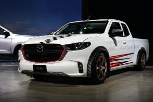 2021 Mazda BT-50 Racing กระบะตัวเตี้ยแต่งหล่อ เรนเดอร์ภาพที่อาจกลายเป็นจริง