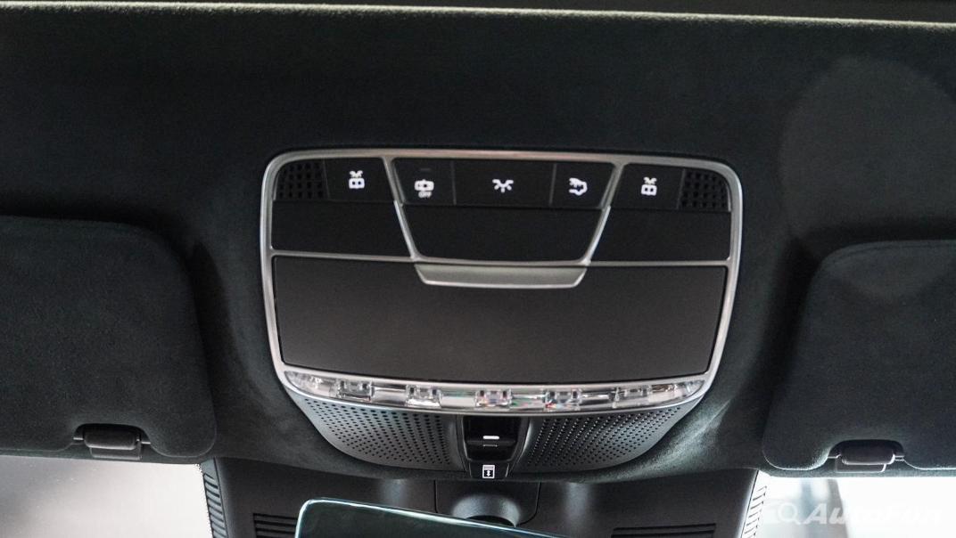 Mercedes-Benz S-Class S 560 e AMG Premium Interior 068