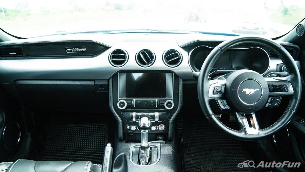 2020 Ford Mustang 5.0L GT Interior 002