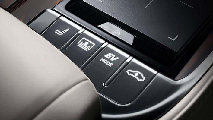 Lexus LS 2020 Interior 009