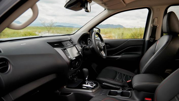 2021 Nissan Navara PRO-4X Interior 002