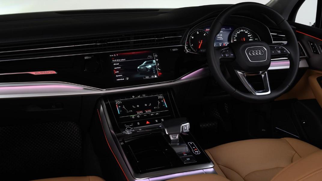 Audi Q7 2020 Interior 001