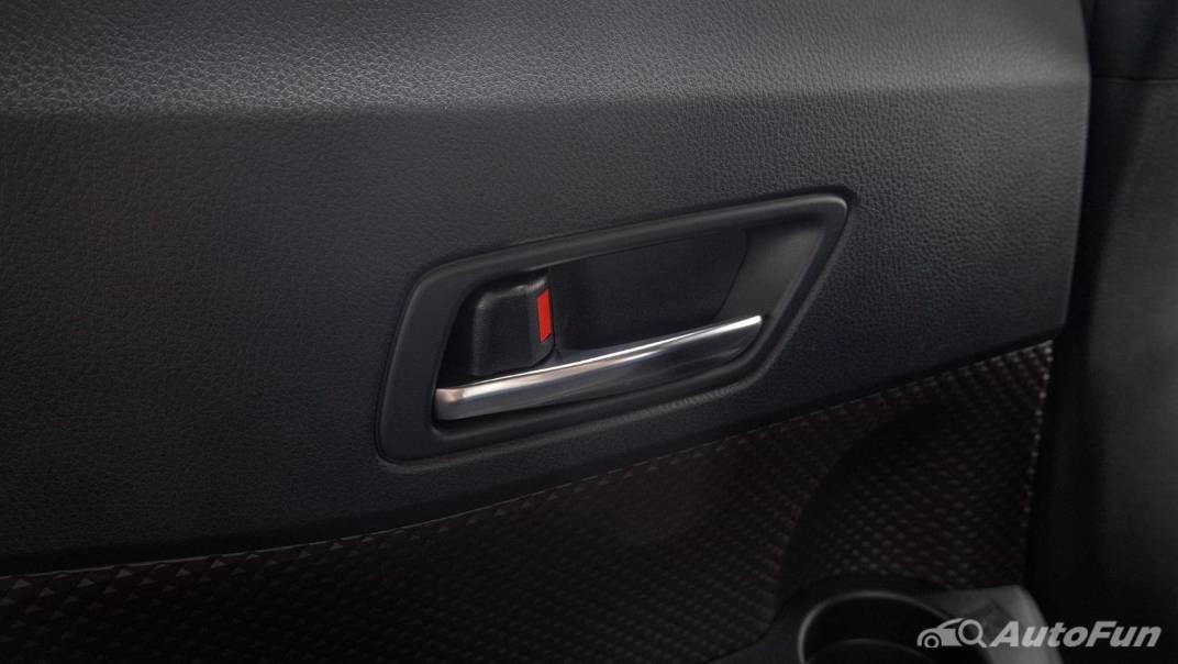 2021 Toyota C-HR Hybrid Premium Safety Interior 065