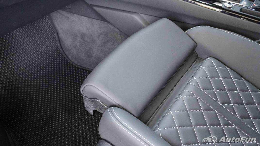 2020 Audi A4 Avant 2.0 45 TFSI Quattro S Line Black Edition Interior 045