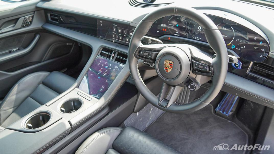 2020 Porsche Taycan Turbo Interior 002