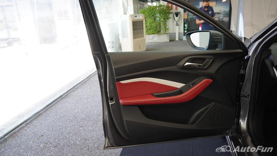 2021 MG 5 Upcoming Version Interior 018