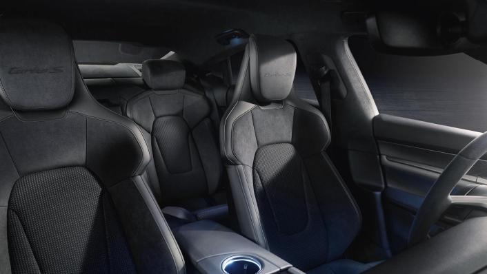 2020 Porsche Taycan Interior 008