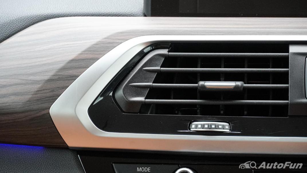2020 2.0 BMW X3 xDrive20d M Sport Interior 024