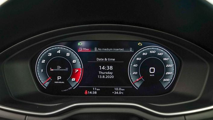 2020 Audi A4 Avant 2.0 45 TFSI Quattro S Line Black Edition Interior 005