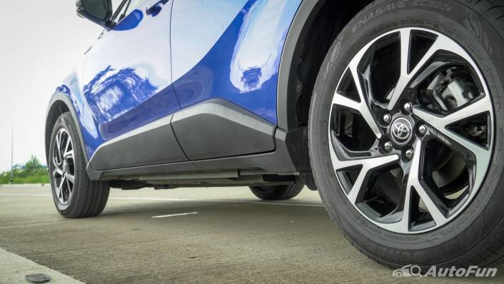 2021 Toyota C-HR Hybrid Premium Safety Exterior 006