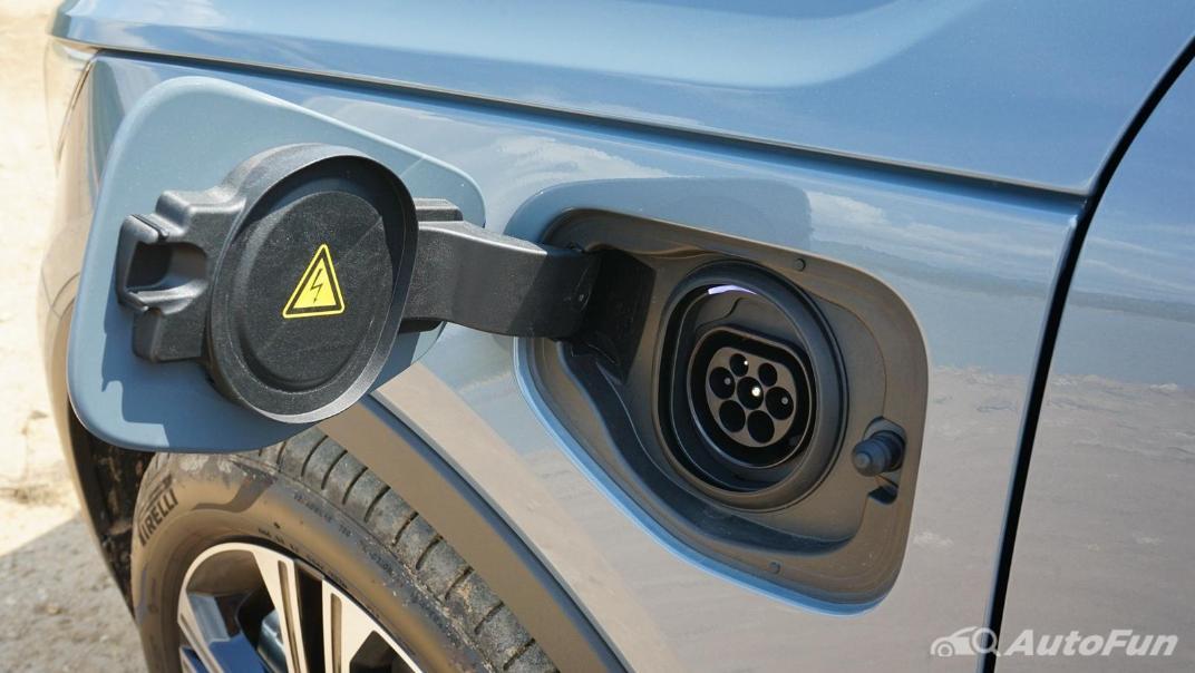 2020 Volvo XC 40 2.0 R-Design Exterior 044