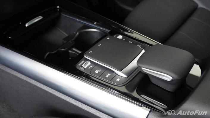 2021 Mercedes-Benz GLA-Class 200 Progressive Interior 003