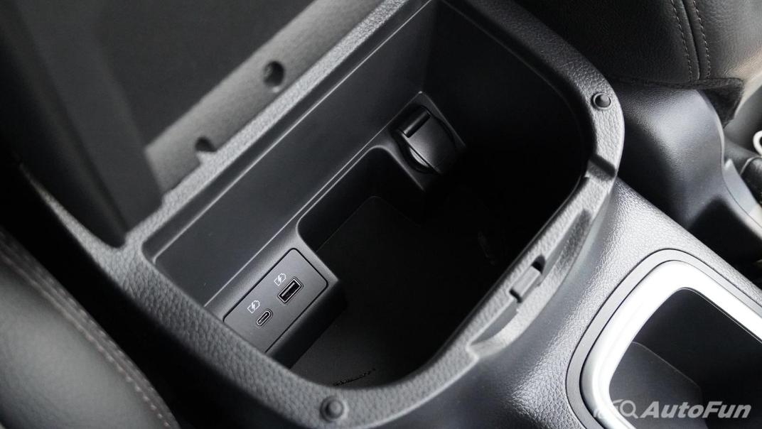 2021 Nissan Navara Double Cab 2.3 4WD VL 7AT Interior 031