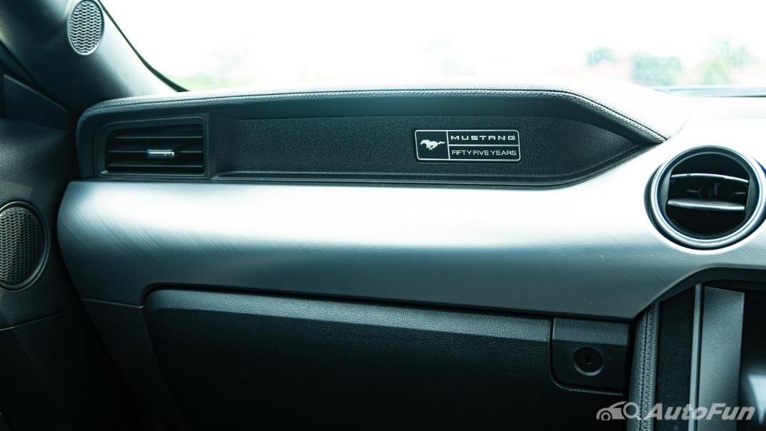 2020 Ford Mustang 5.0L GT Interior 014