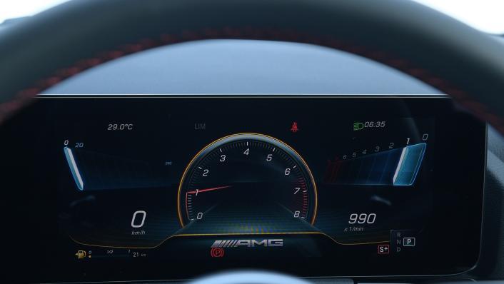 2021 Mercedes-Benz GLA-Class 35 AMG 4MATIC Interior 004
