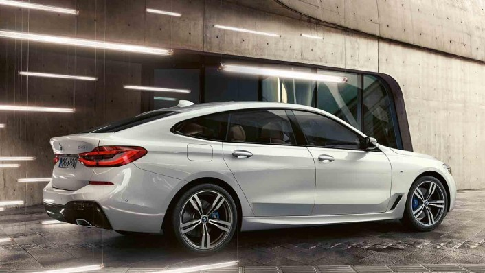 BMW 6-Series-Gran-Turismo 2020 Exterior 004