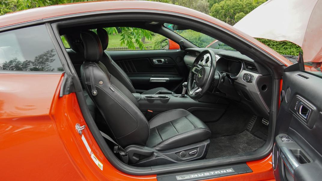 2020 Ford Mustang 2.3L EcoBoost Interior 121