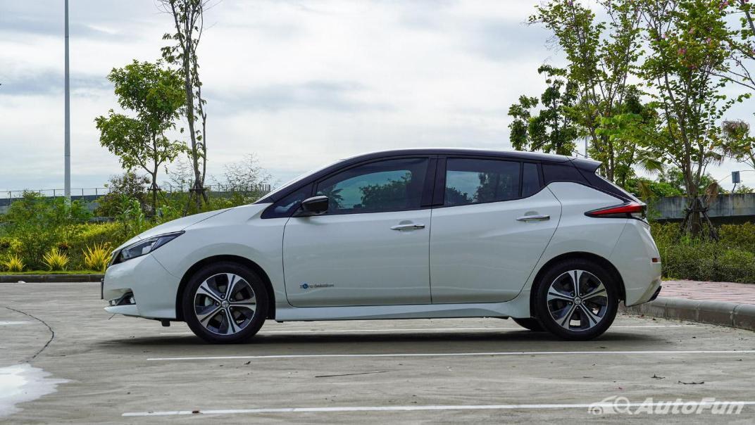 2020 Nissan Leaf Electric Exterior 007