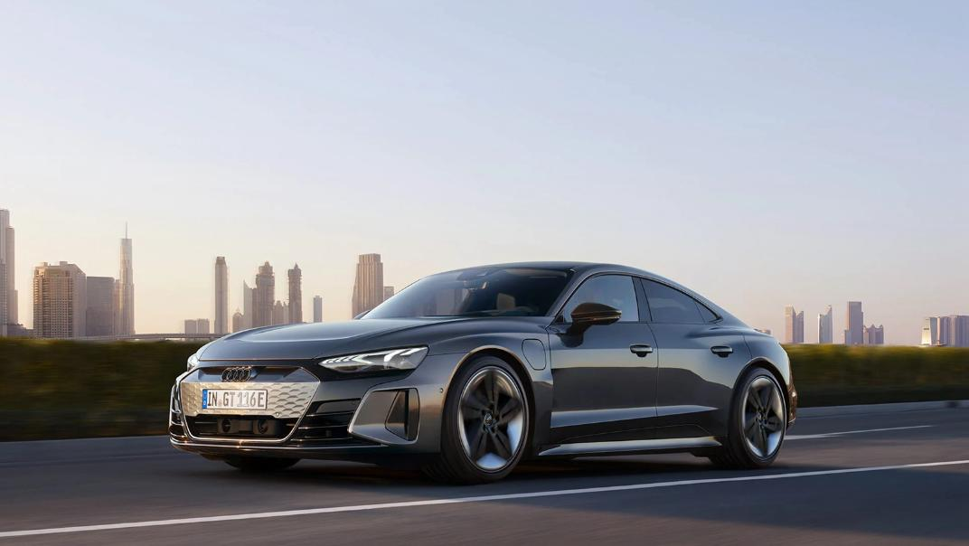 2021 Audi RS e-tron GT quattro Exterior 002