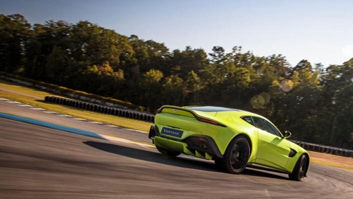 Aston Martin V8 Vantage 2020 Exterior 006