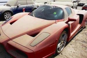 Ferrari ยังโดนทิ้ง ไขข้อสงสัยเหตุใดจึงมีรถถูกทิ้งท่ามกลางทะเลทรายดูไบเยอะ