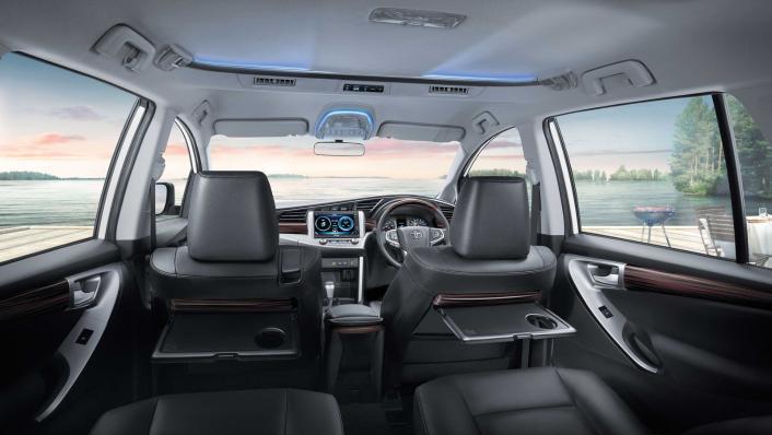 2021 Toyota Innova Crysta Public Interior 001