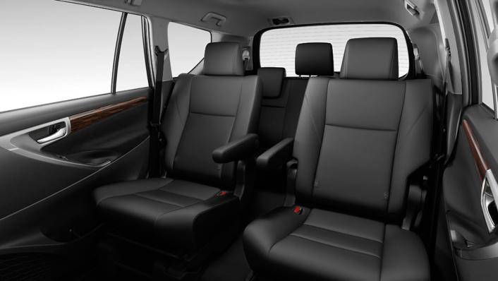 2021 Toyota Innova Crysta Interior 004