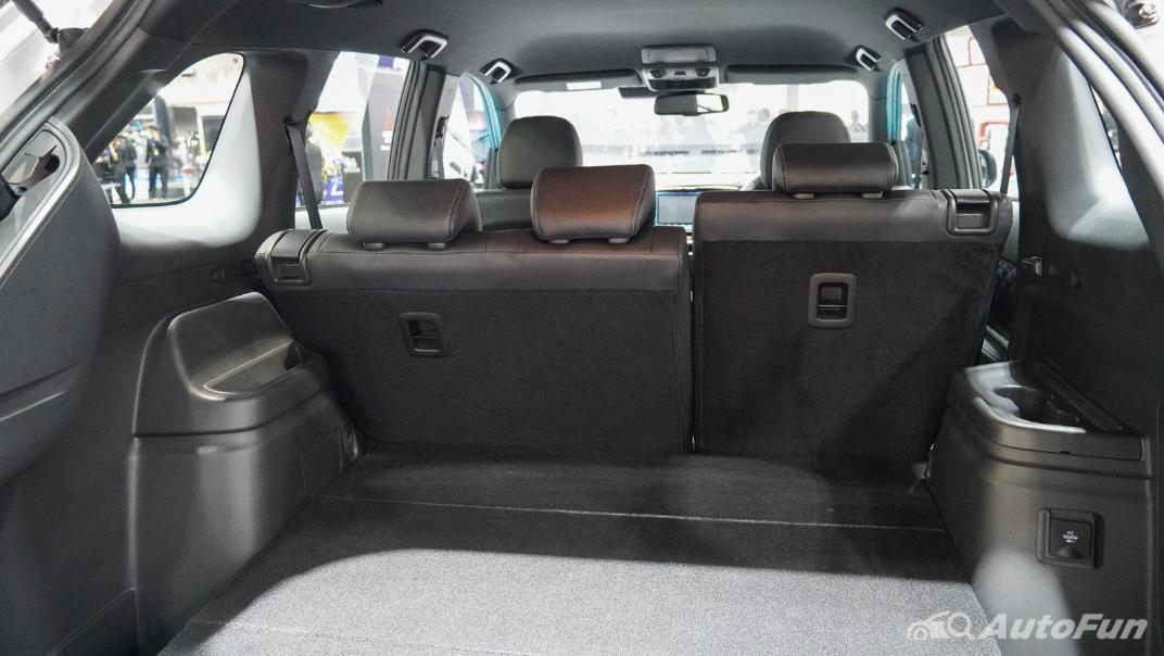 2021 Mitsubishi Outlander PHEV GT Interior 015