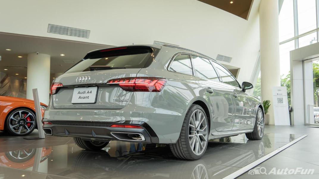2020 Audi A4 Avant 2.0 45 TFSI Quattro S Line Black Edition Exterior 061
