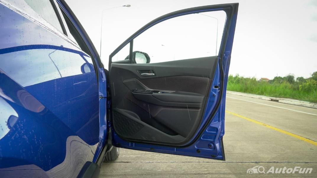 2021 Toyota C-HR Hybrid Premium Safety Interior 066