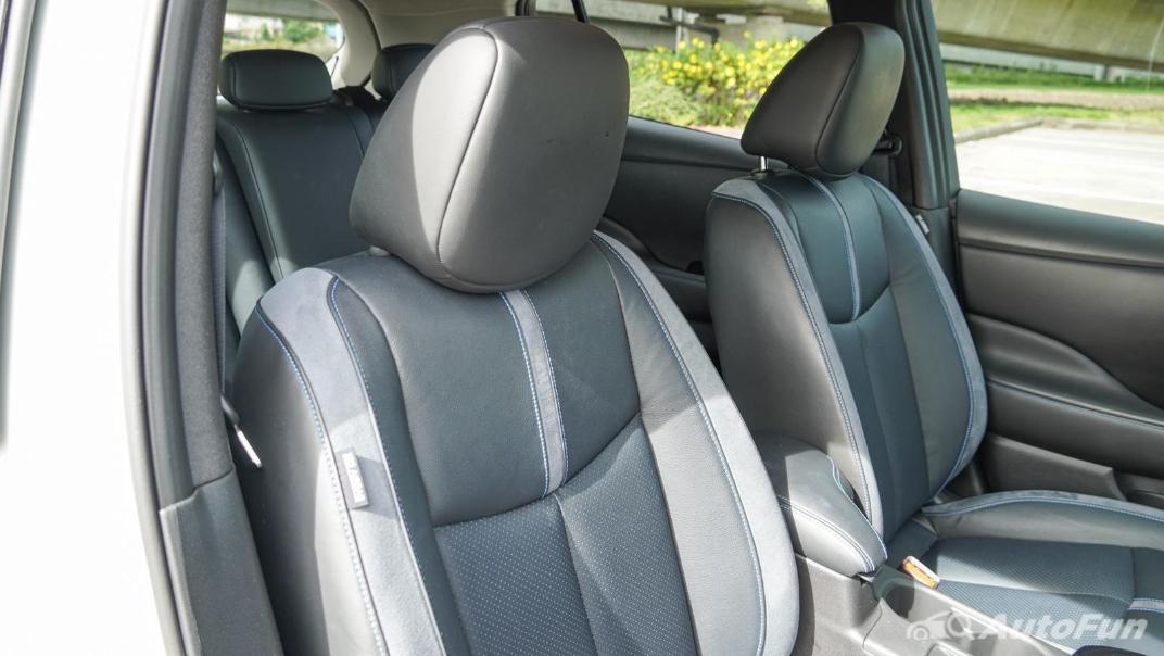 2020 Nissan Leaf Electric Interior 049