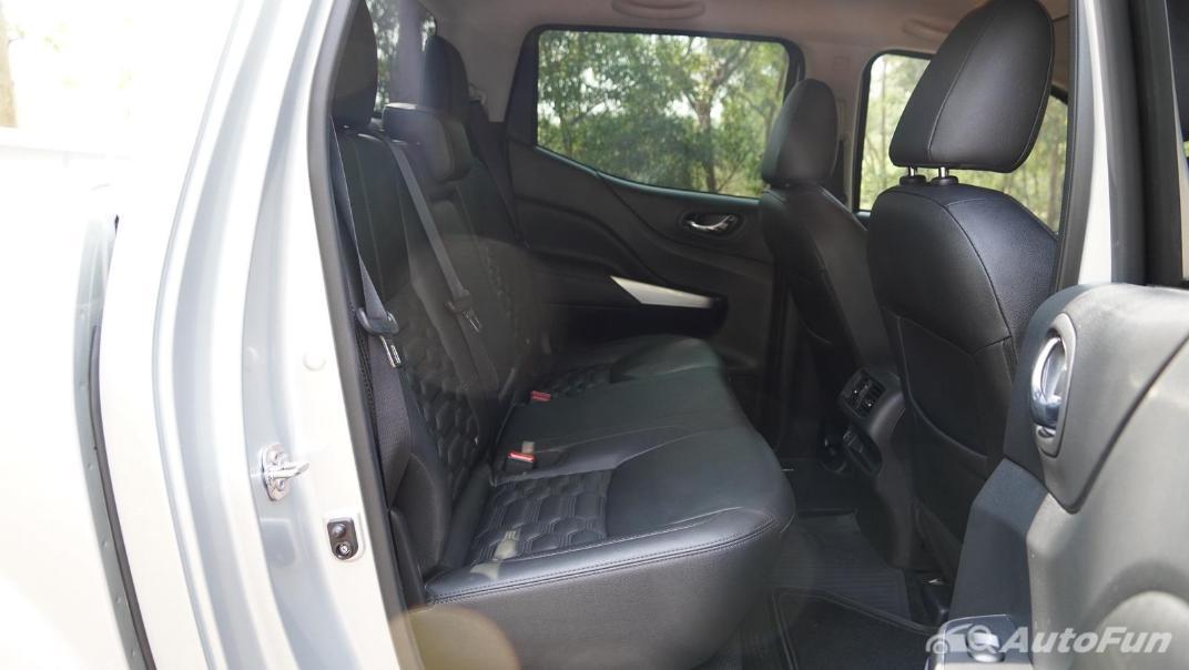 2021 Nissan Navara Double Cab 2.3 4WD VL 7AT Interior 041
