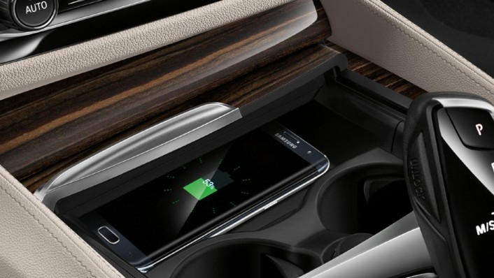 BMW 5-Series-Sedan 2020 Interior 010