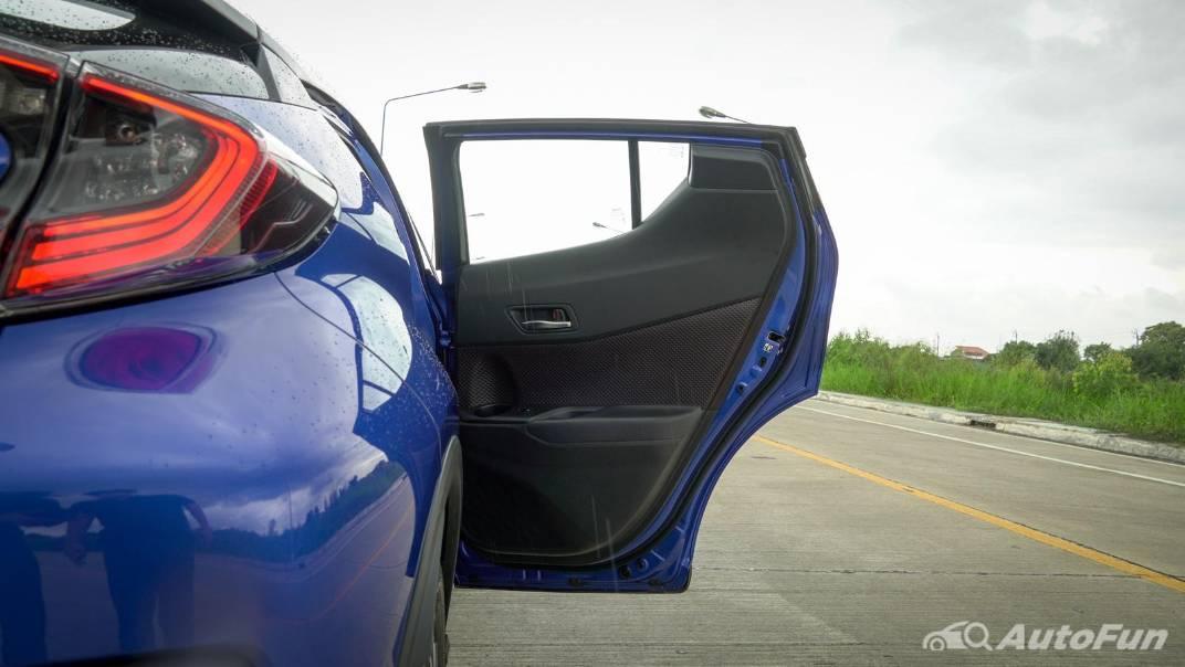 2021 Toyota C-HR Hybrid Premium Safety Interior 068