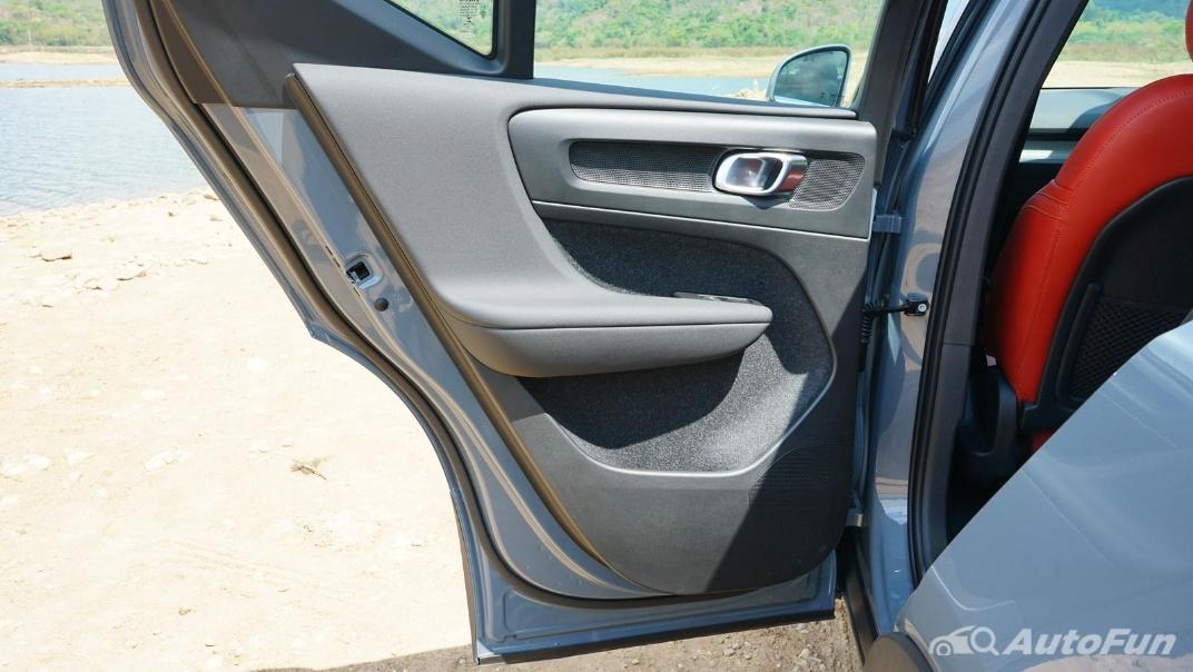 2020 Volvo XC 40 2.0 R-Design Interior 036