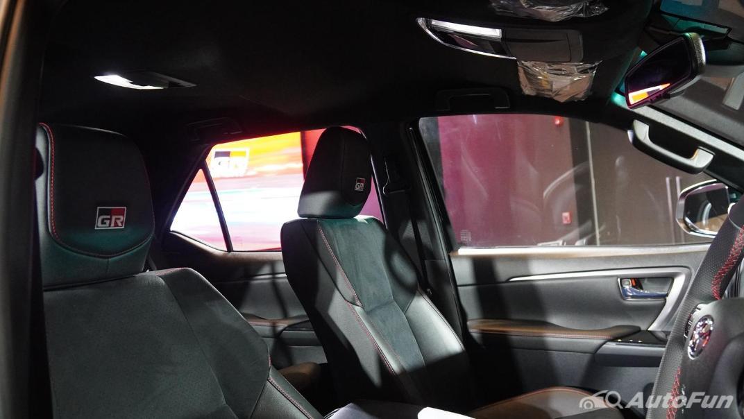 2021 Toyota Fortuner 2.8 GR Sport 4WD Interior 025