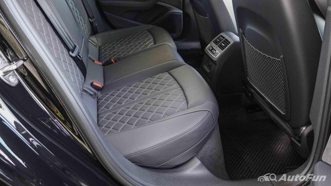 2020 Audi A4 Avant 2.0 45 TFSI Quattro S Line Black Edition Interior 053
