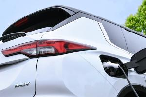 2022 Mitsubishi Outlander PHEV เผยโฉมปลายปีนี้ มีดีกว่ารุ่นเดิมแค่ไหนมาชมกัน