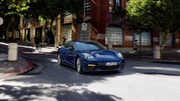 Porsche Panamera 2020 Exterior 002