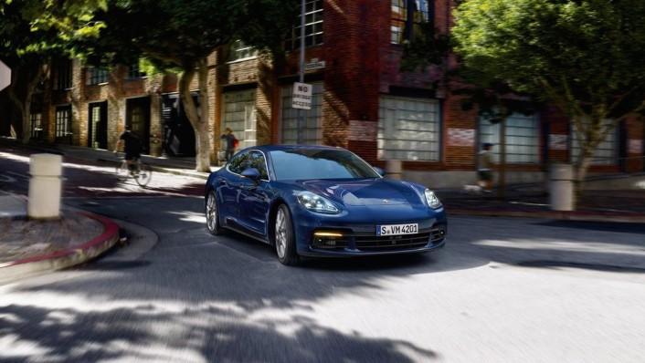 Porsche Panamera Public 2020 Exterior 002