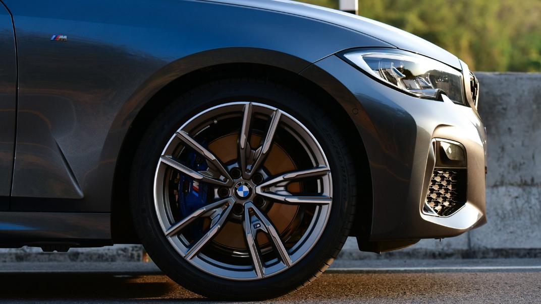 2021 BMW M340i xDrive Exterior 003