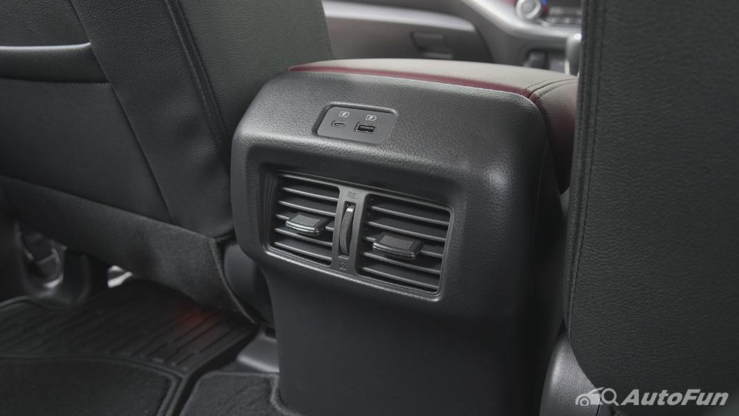2021 Nissan Terra 2.3 VL 4WD Interior 036