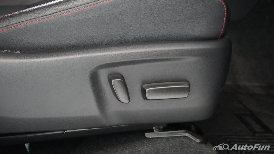 2021 Toyota Hilux Revo Double Cab 4x4 2.8 GR Sport AT Interior 032